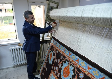 Başkan Çınar, Gündüzbey Yeşilkonak'ta ki Halı Kesme Törenine Katıldı