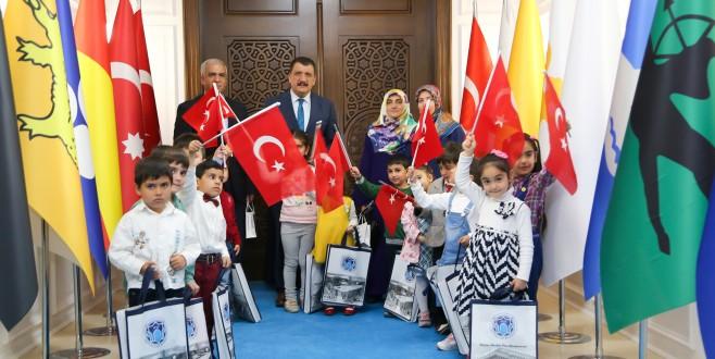 """Başkan Gürkan, """"Güzel Ahlaklı İnsanların Yetiştirilmesi Lazım"""""""
