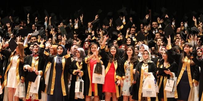İÜ 25. Dönem Tıp Fakültesi Mezuniyet Töreni Gerçekleştirildi